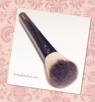 Hourglass Foundation_Blush Brush No 2