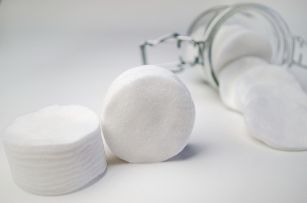 makeup-remover-cotton-round-pads