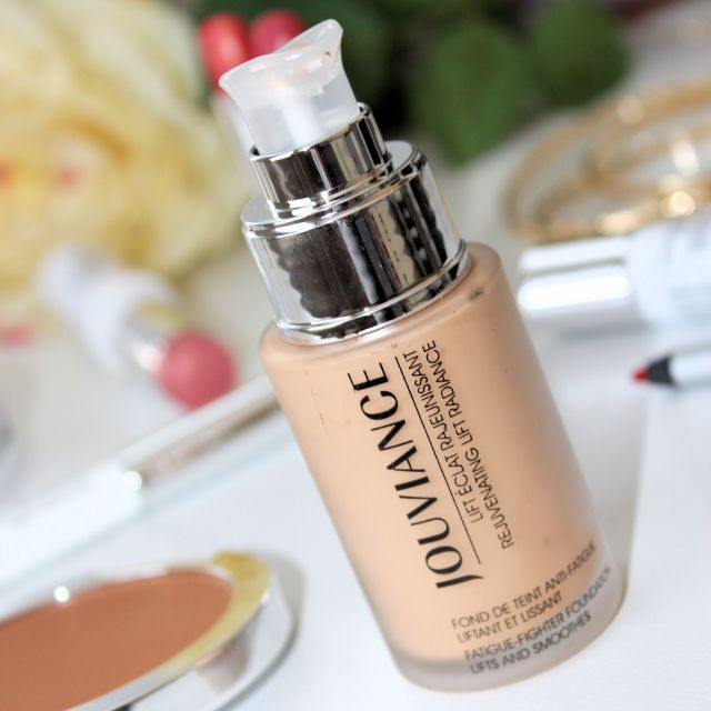 Rejuvenating Lift Radiance Jouviance Foundation
