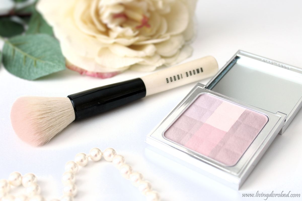 Bobbi Brown Brightening Finishing Powder and Face Blender Brush Review