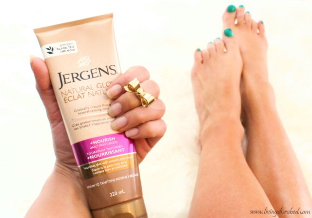 Jergens Natural Glow Before and After Review Medium to Tan review