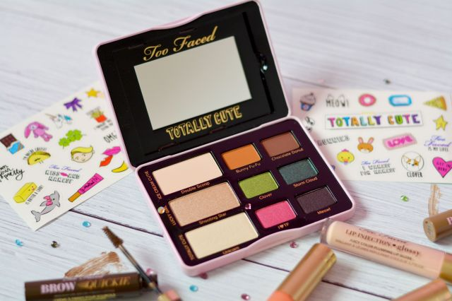 too-faced-totally-cute-eye-shadow-palette-review-and-swatches