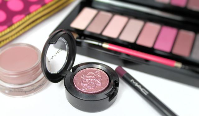 mac-nutcracker-sweet-plum-extra-dimension-eye-shadow1.jpg