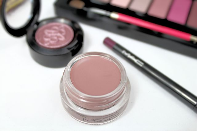 mac-nutcracker-sweet-plum-pro-long-wear-paint-pot