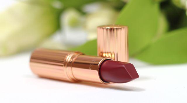 charlotte-tilbury-opium-noir-matte-revolution-lipstick-review