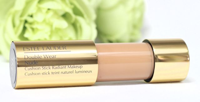 estee-lauder-double-wear-nude-cusion-stick-radiant-makeup-foundation-review