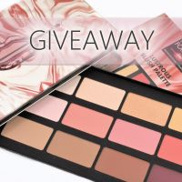 Make Up For Ever Lustrous Holiday Collection &  Giveaway!